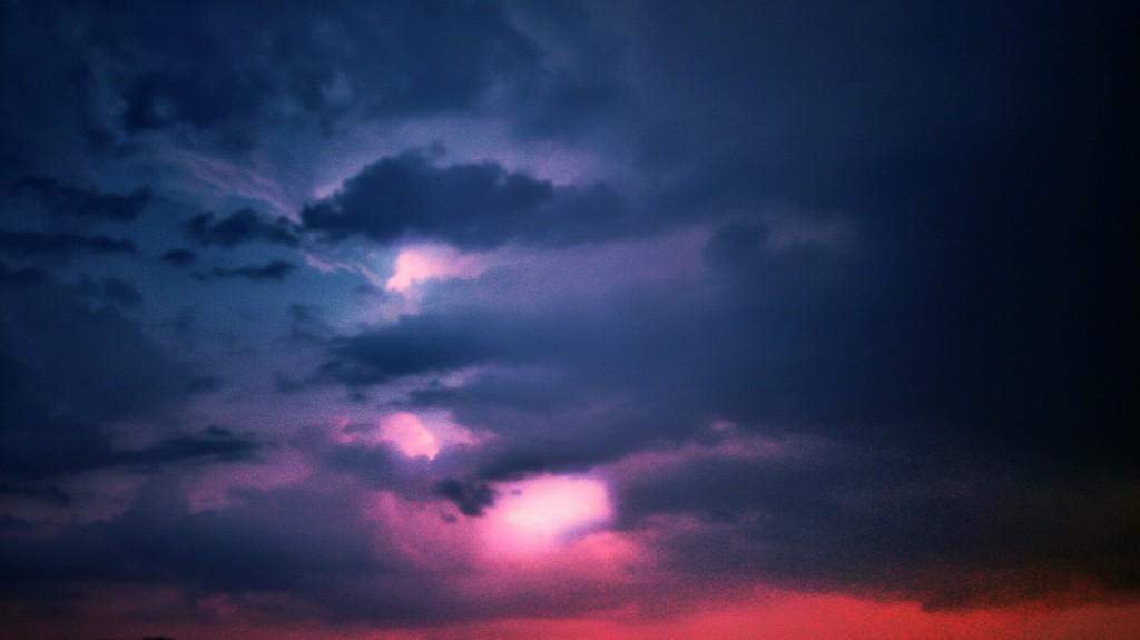 clouds-926415_1920
